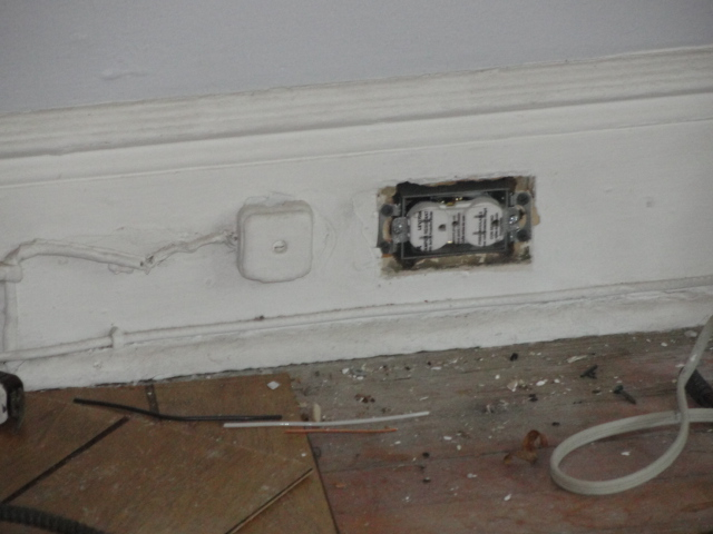 06new 20 amp circuit to a new electrical outlet and box for the living